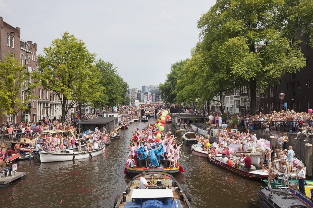 The Netherlands, Amsterdam, 02 August 2014. Canal Parade at Amsterdam Gay Pride 2014. Marokkaanse Boot (Moroccan themed boat) at Prinsengracht-Brouwersgracht. The boat is to promote equality of Dutch-Moroccan LGTB youth. Photo: Bram Belloni / Nederland, Amsterdam, 02 augustus 2014. Canal Parade, Amsterdam Gay Pride 2014. De Marokkaanse Boot op Prinsengracht-Brouwersgracht. De Marokkaanse Boot doet mee om emancipatie van Marokkaanse LGTB jeugd te bevorderen. Foto: Bram Belloni / (c) 2014, www.belloni.nl (Bram Belloni)